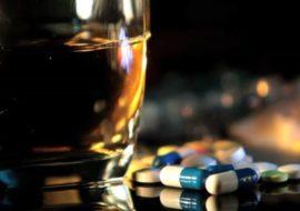 Por que é tão difícil parar de consumir álcool e drogas Pedro Martins Psicoterapeuta Psicólogo Clínico